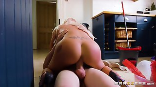 Incredible Blonde Bitch Gets Nailed In The Kitchen