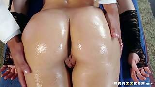 Anikka Albrite Is A Blond Beauty With Perfect Ass. She