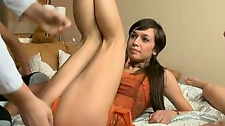 Gangbangs, De Pucelage, Brune Gang Bang, Fellation Brunette, Gaterie, Gangbang Pipe, Fellation Hd Pov, Fellation Gang Bang
