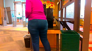 Wide Plump Ass Mature In Jeans