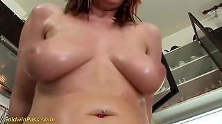Extreme Pussy Pumping Teen