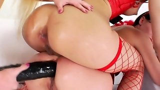 Strapon, Threesome, Ass, Lesbian, Anal, Hardcore, Brunette, Femdom, Toys