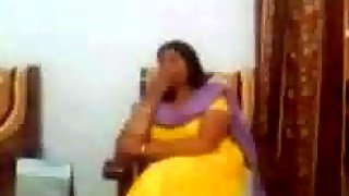 Indian Sex Video Of An Indian Aunty Showing Her Big Boobs Live Cam Boobs We