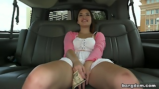 Brick Falls In Love With Daisy Summers