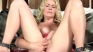 Naughty Czech Chick Stretches Her Soft Pussy To The Extreme