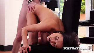 Francys Belle, Beautiful Liberal Babe Who Enjoys Anal