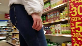 Young Milf's Ass In Supermarket