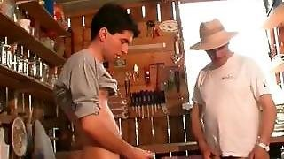 Slutty Mature Gets Puss Fucked By One Part2