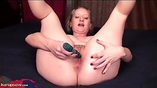 Curvy Solo Mom With A Vibrator Plays Naughty