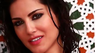 Sunny Leone Is One Of The Cutest Of All Girls In The World Web! Now You Have A Chance Of Staring At How This Beauty Is Becoming Nude And Starting To Play With Pussy.