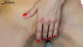 British Mom Go Porn For The First Time