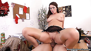 Anthony Rosano Gets Seduced Into Fucking By Brunette Paige Turnah With Juicy Butt And Trimmed Twat
