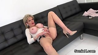 Unfaithful English Milf Lady Sonia Shows Her Monster Na