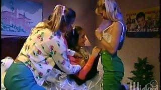 Three Babes With Fake Tits Have A Lesbian Threesome
