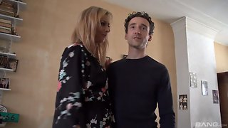 Blonde Sophia Magic Gets Her Delicious Pussy Banged By A Hard Dick