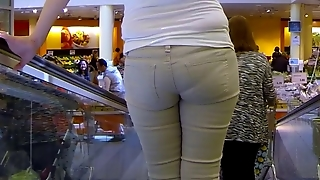 Candid - Sexy Milf Tight Jeans Pantie Lines