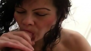 Mom Tamila Seduce Young Boy