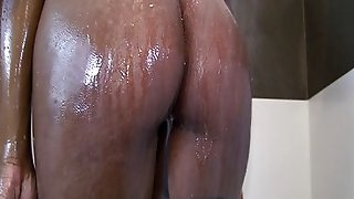 Big Booty Ebony Amateur In The Shower