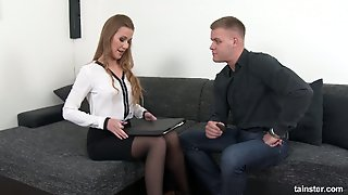 Kinky Chick With Pee Fetish Alexis Crystal Is Fucked And Pissed By One Horny Guy