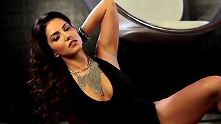 Sunny Leone Is Amazing In Solo