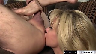 Cougar With Big Boobs And Ass Has Awesome Sex