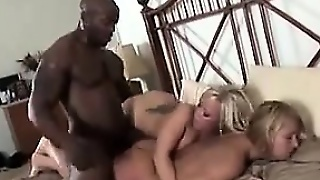 Sexy Blondes In An Interracial Threesome