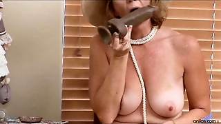 Two Toys Make Mature Mom Cum