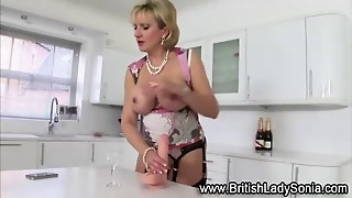 Mature Lady Sonia Toy Playing Film