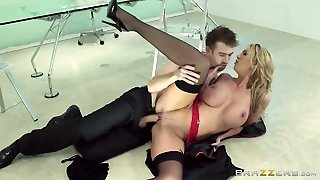 Milf Leigh Darby With Huge Tits Turns Danny D On