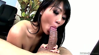 Evelyn Lin Getting Interracially Hardcored By Hard Cocked Guy
