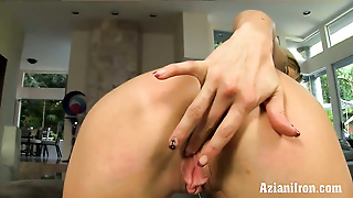 Chloe Chaos Spreads Her Pussy Lips And Rubs Her Giant Clit