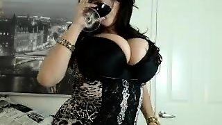 Mature Bbw Solo Posing On Webcam