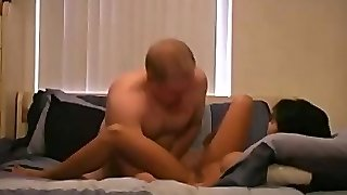 Tourist Fucks Latina Prostitute Without A Condom