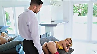 Bigtit Blonde Invites For Anal With Buttplug