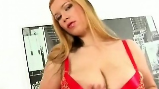 Big Boobed Girl Masturbating