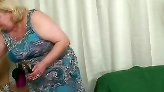 Midget couple fucking