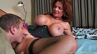 Deauxma Is A Gorgeous Mature Woman With Fantastic Massive Tits