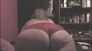 Fat Ass Girl Dances On