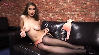Jerk Off To The Hot Body Of This Dirty Talking Girl