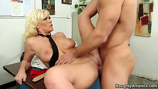 Kaylee Brookshire & Johnny Castle In Naughty Office