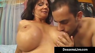 Texas Cougar Deauxma Squirts From Her Creaming Hot Pussy!