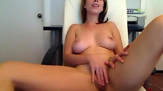 Stunning Webcam Girl Fingers To Orgasm