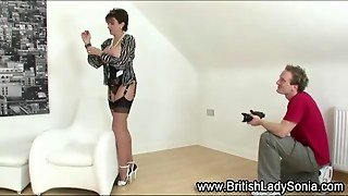 Lady Sonia Teases As She Gets To Be Photographed