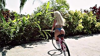 Brandi Bae Rides The Dildo On Her Bicycle Outdoors