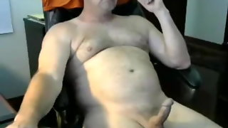 Dad Loves To Cum On Cam