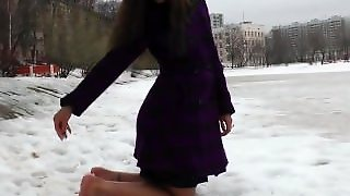 Barefoot In Snow 4
