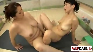 Mature Japanese Lesbians In The Public Bath