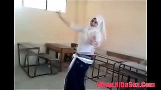 Arab Egypte Dance In School