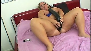 Fat Dildo In Fat Pussy