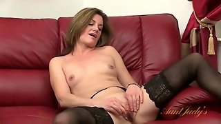 Stockings And Heels On Classy Masturbating Milf